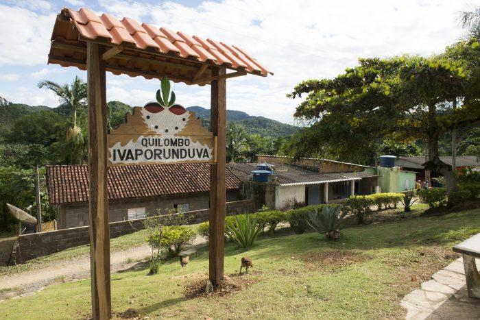 Vistas do Quilombo Ivaporunduva